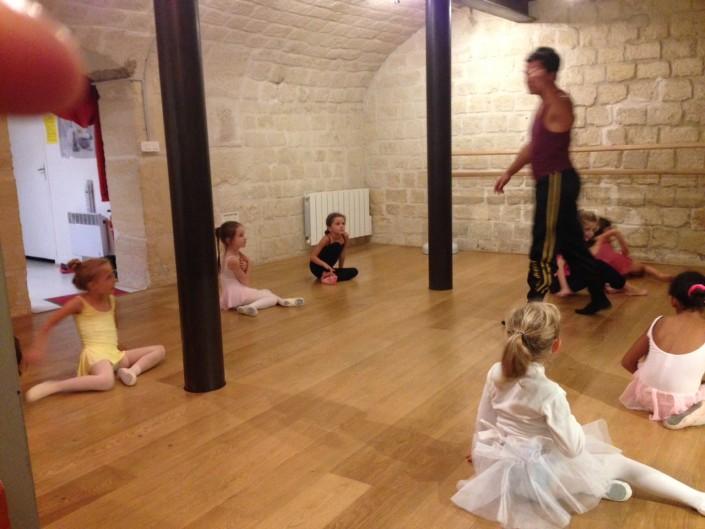 Cours de danse classique - Les Petits Loulous du 9ème - Photo 3